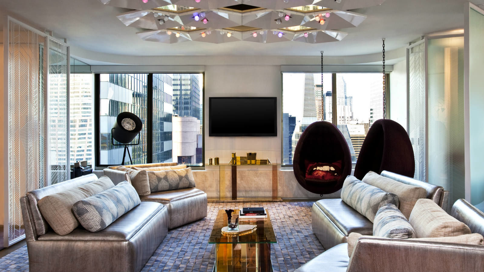 Times Square Accommodations - Extreme WOW Suite Living Room