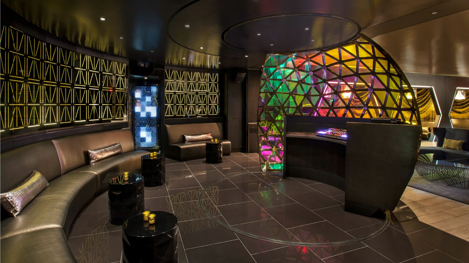 Times Square Restaurants – Sitting Area