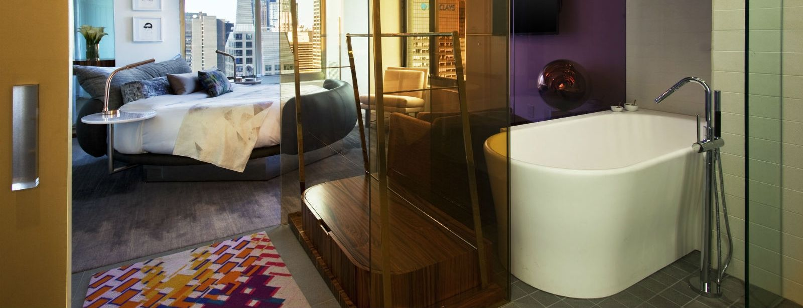 Times Square Accommodations - Extreme WOW Suite