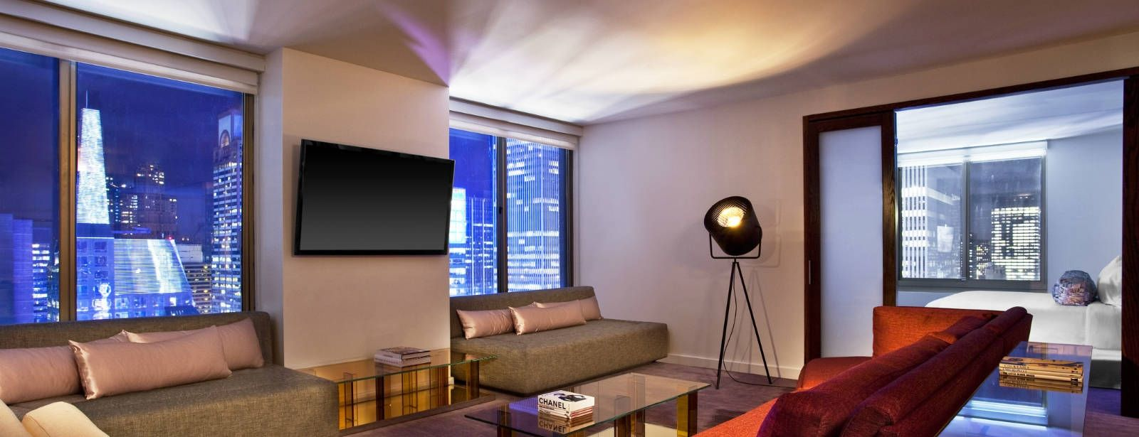 Times Square Accommodations - WOW Suite