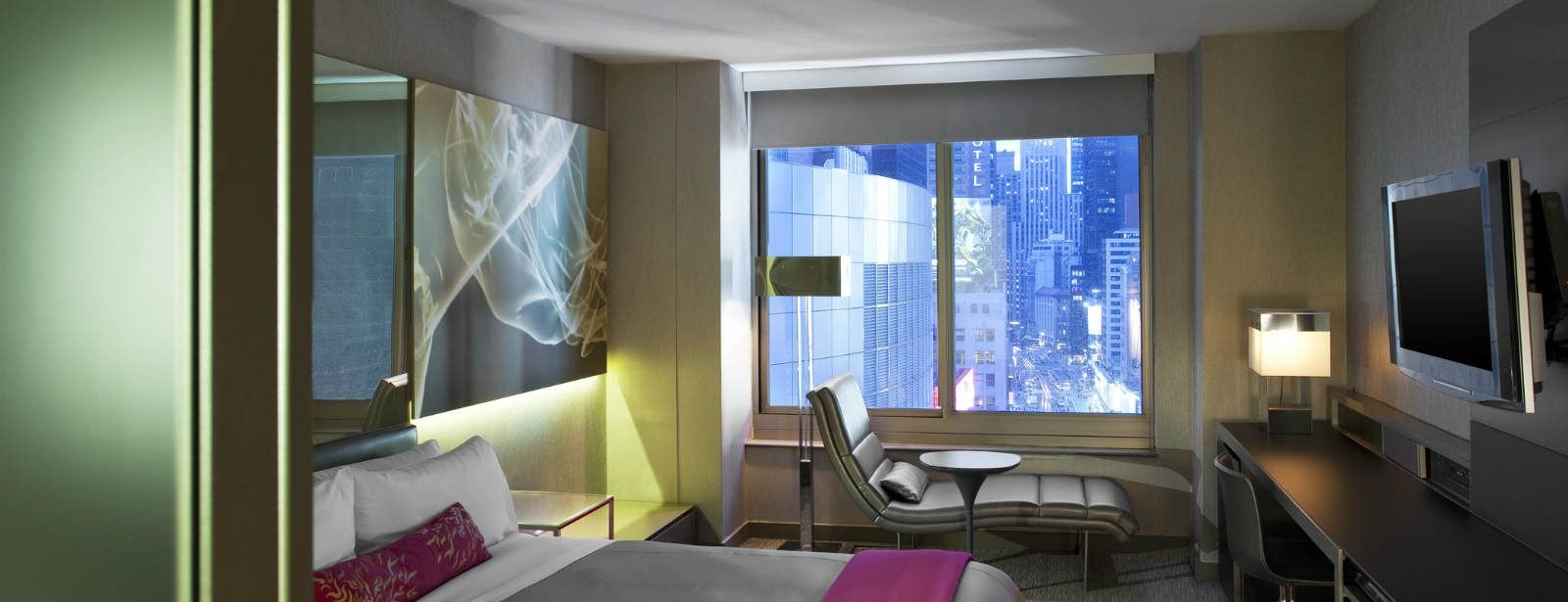 Times Square Accommodations | Wonderful/Spectacular Room